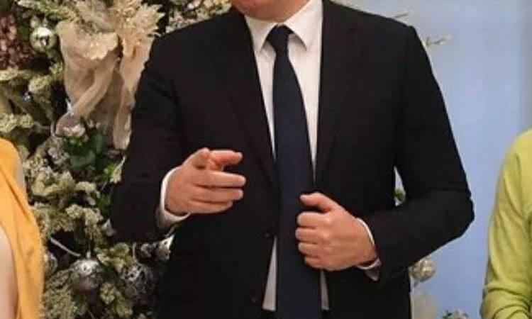 Pogledajte šta je Vučić kupio djeci